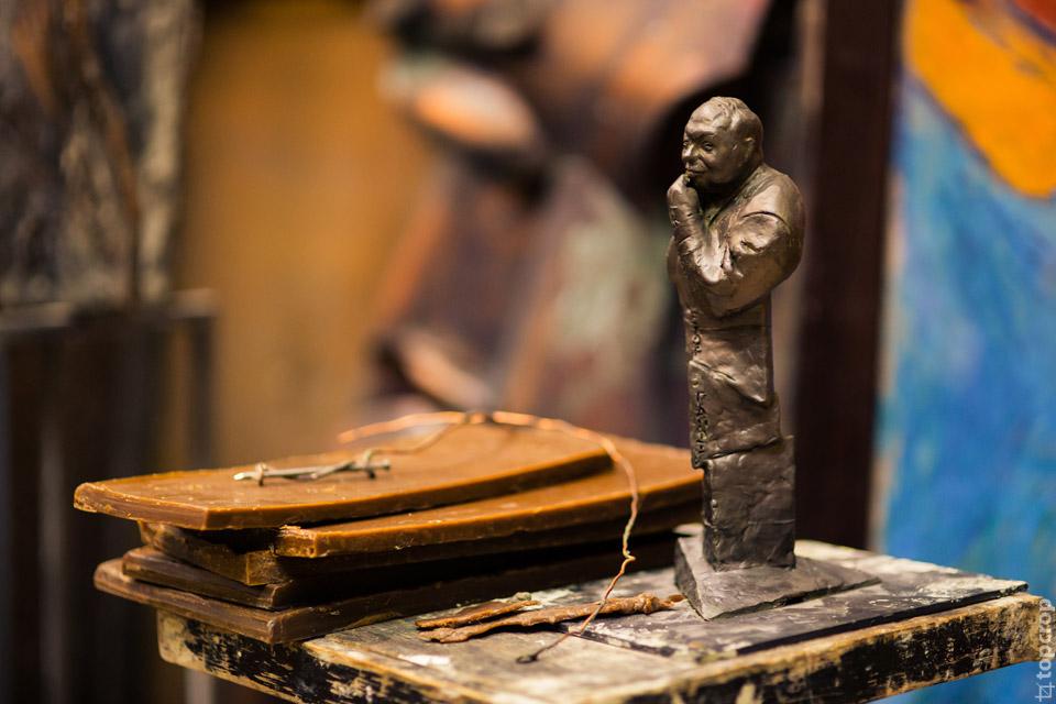 В студии-мастерской Георгия Франгуляна
