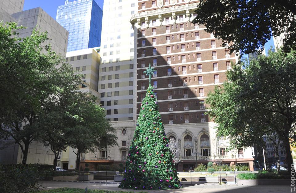 Новогодняя елка в Далласе, штат Техас