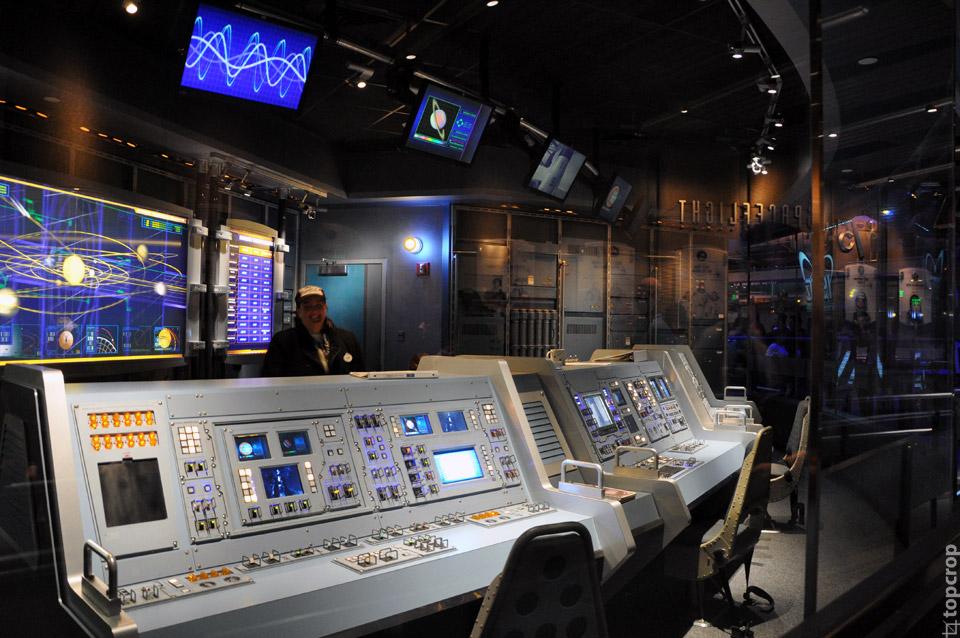 Аттракцион в Epcot, симулирующий полет в космос