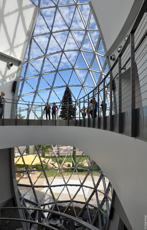 Внутри музея Сальвадора Дали во Флориде