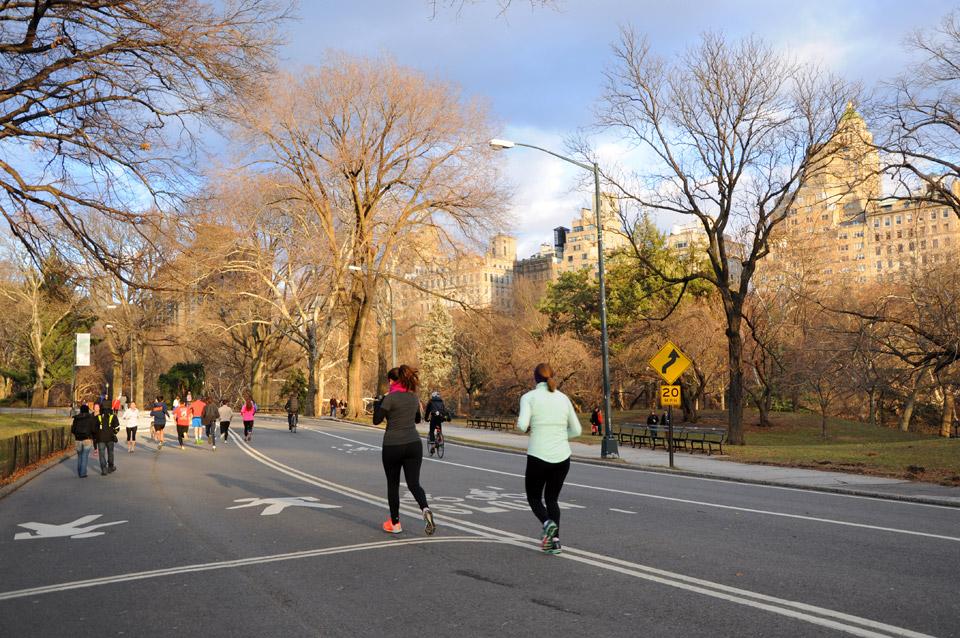 Пробежки в Центральном парке Нью-Йорка