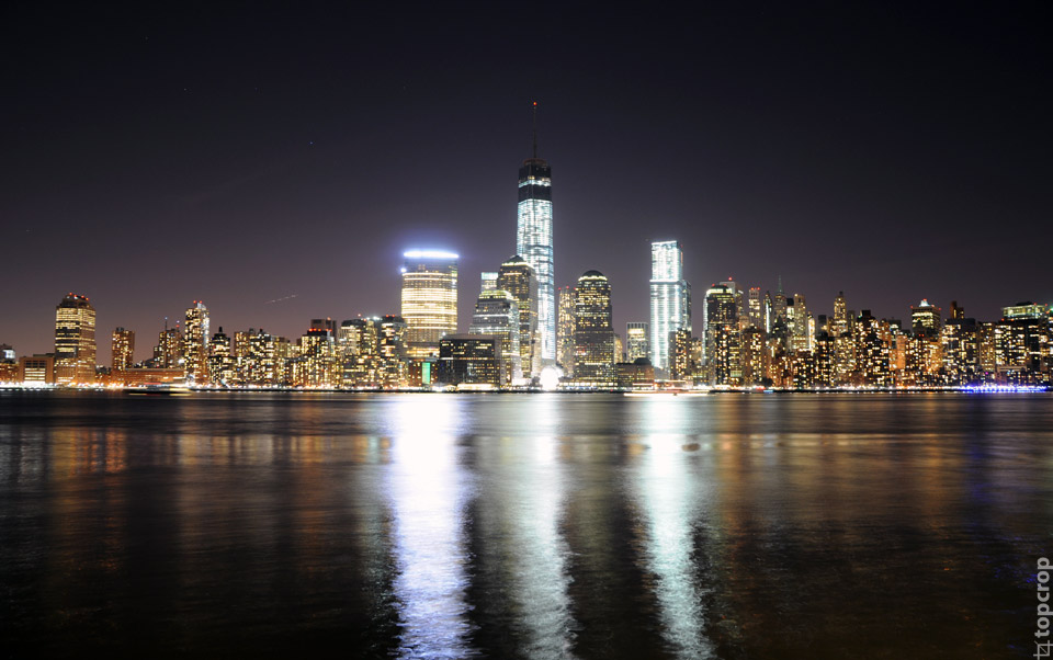 Вид на Нижний Манхэттен с набережной Jersey City