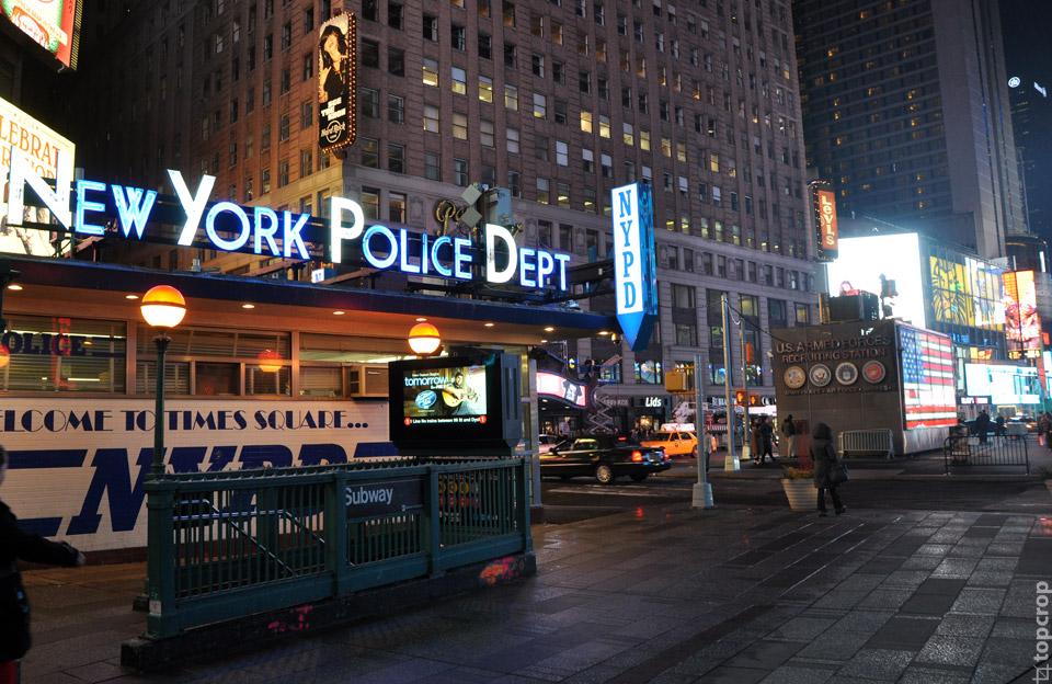 Вход в нью-йоркскую подземку