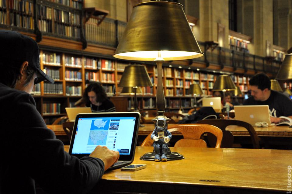 Прокладываем маршрут по городу в нью-йоркской библиотеке