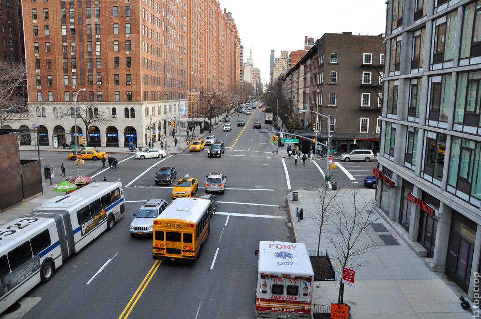 Вид на улицу Нью-Йорка с High Line