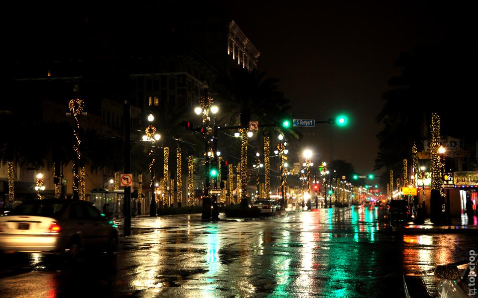 Бульвар во Французском квартале в Новом Орлеане