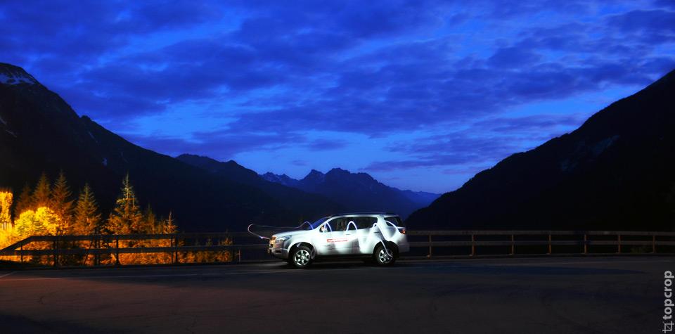 Остановка с видом на заснеженные швейцарские горы