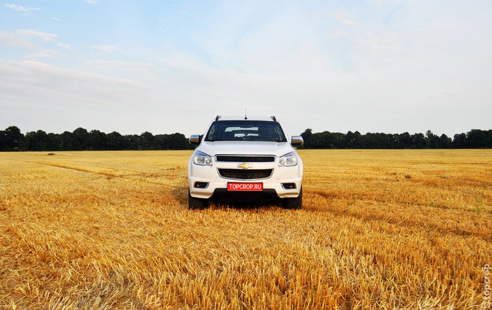 Chevrolet Trailblazer на немецком поле