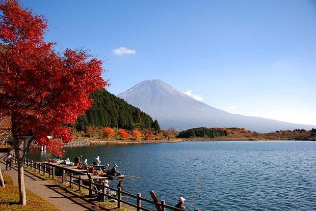 Озеро Кавагути в Японии