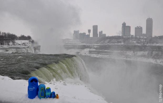 Ниагарский водопад зимой
