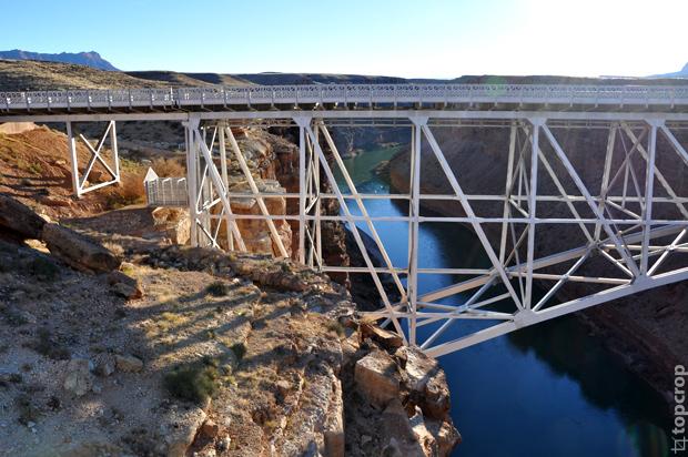 Мост Наваджо (Navajo Bridge) через реку Колорадо (Colorado)