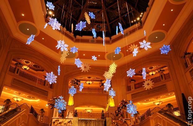 Снежинки в торговом центре Палаццо (The Shoppes At The Palazzo)