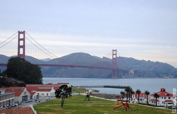 Мост Золотые Ворота (Golden Gate Bridge) - вид со стороны Crissy Field