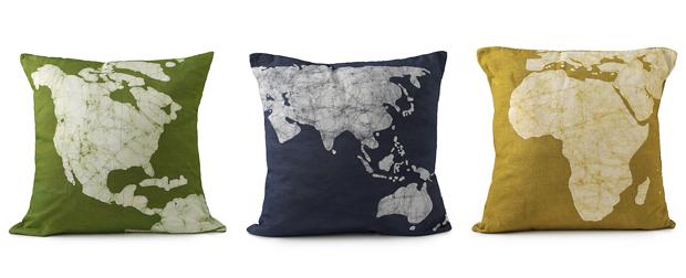 Подушки с принтами: континенты