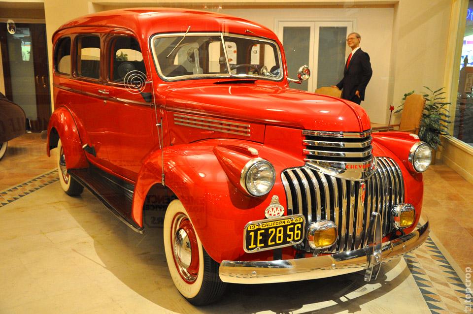 Chevrolet Suburban, 1942