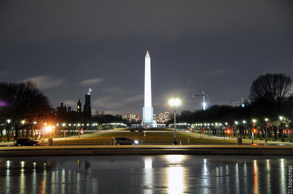 Ночной вид от Капитолия на Монумент Вашингтона