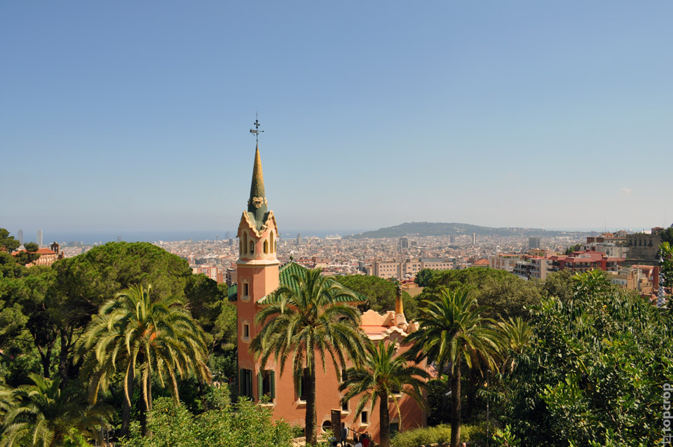 Barcelona_view_from_park2