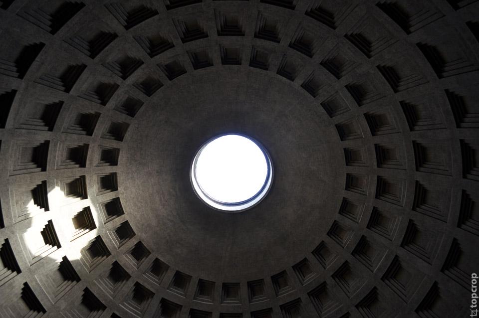 Отверстие в куполе Пантеона