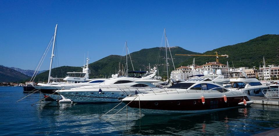 Яхты в Черногории
