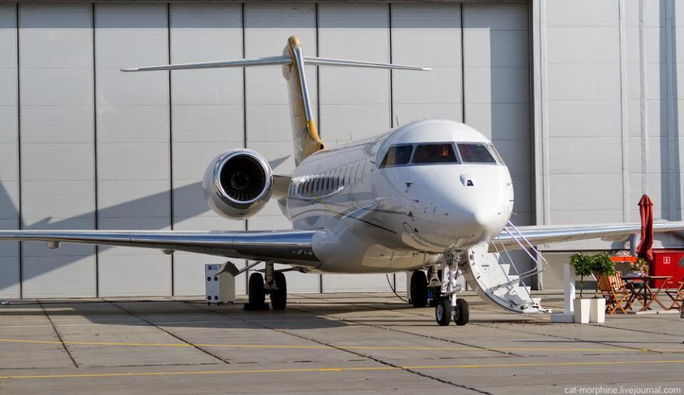 "Бизнес -джет класса ""Большие самолеты"": Global 6000, Bombardier Aerospace (Канада)/ Фото: Bombardier"