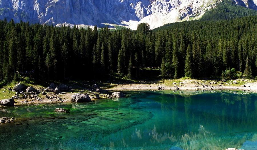 Озеро, Карецца, Италия