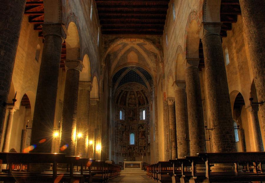 Церковь Святого Аббондио, Комо, Италия , путешествия