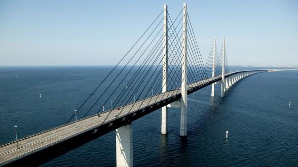 Мост из Дании в Швецию