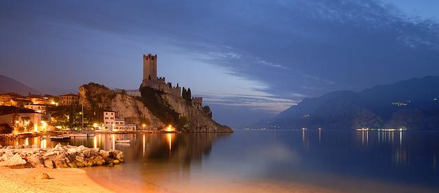 Замок Скалигеров, озера Гарда.  Мальчезине, Италия , путешествия