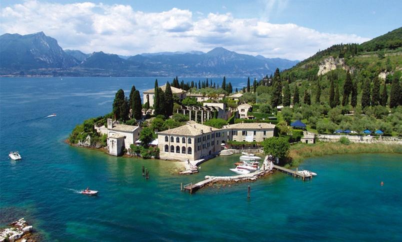 Вилла Гуариенти, мыс Сан Виджилио, озеро Гарда. Италия , путешествия