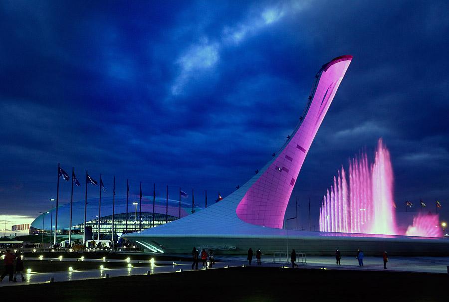 Свето-музыкальный фонтан в Олимпийском парке Сочи