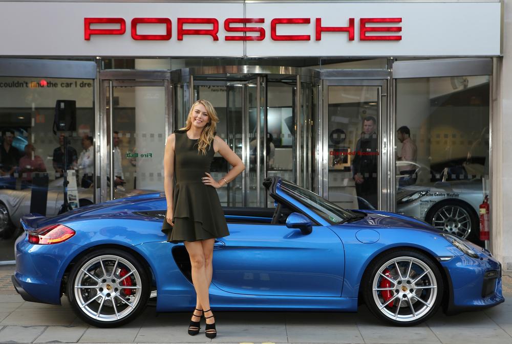 Шарапова в лондонском центре Porsche