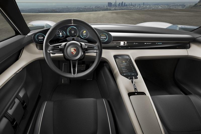 Руль Porsche Mission E