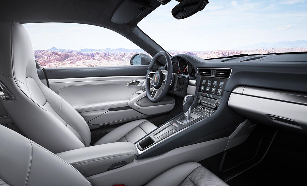 В салоне нового Porsche Carrera