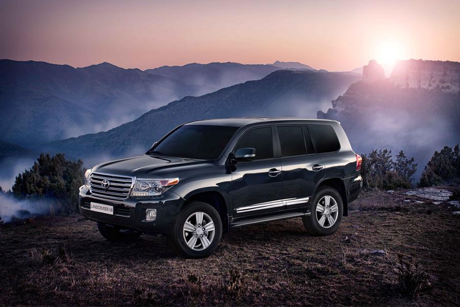 Toyota Land Cruiser 200 в горах