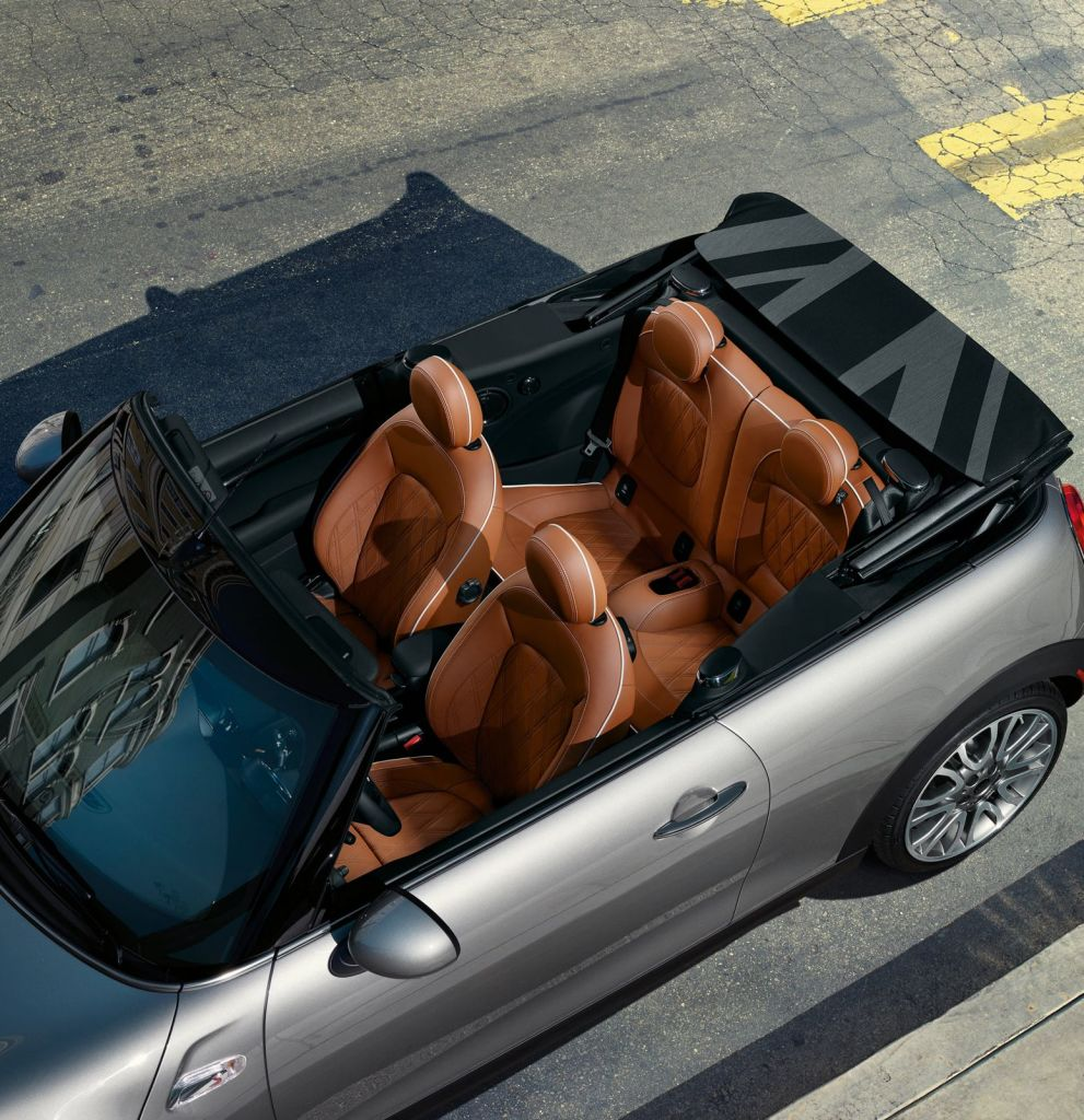Mini открывает разнообразные варианты для дизайна и новый уровень комфорта поездок в кабриолете.