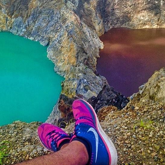 Цветные озера Келимуту