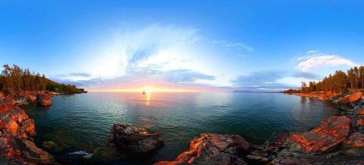 """Байкал завораживает и впечатляет. """"Белеет"""" парус одинокий"""". Автор: Фото Граф Баир Этагоров."""