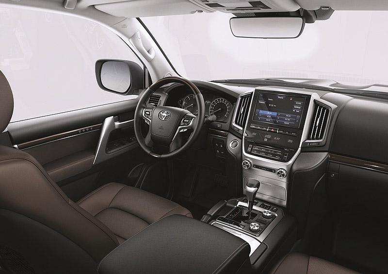Сиденье водителя в LC 200