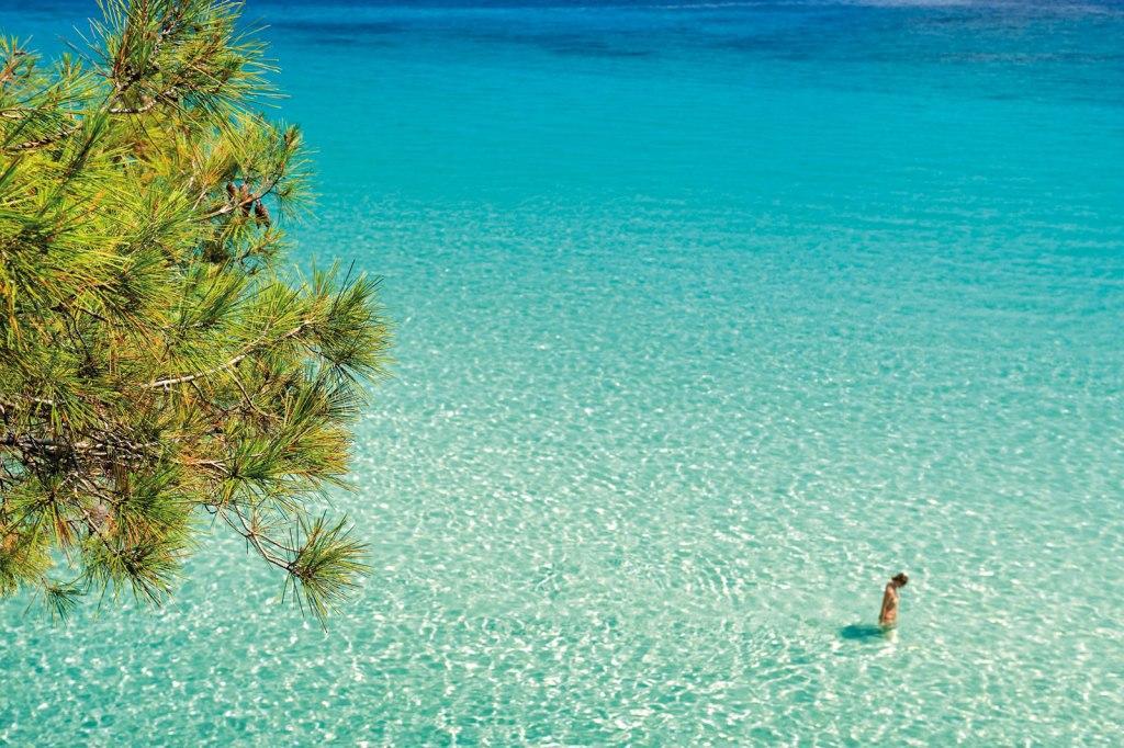 Пляж с чистой водой