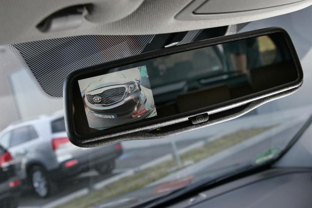 Зеркало заднего вида с камерой