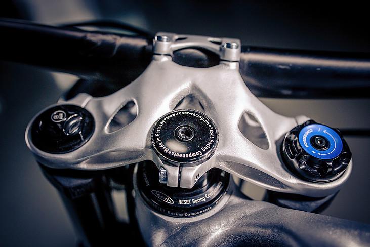 Использование авиыционного алюминия обеспечилоудельную прочность титана, что беспрецедентно в 3Д печати. Фото: lightrider.apworks.de