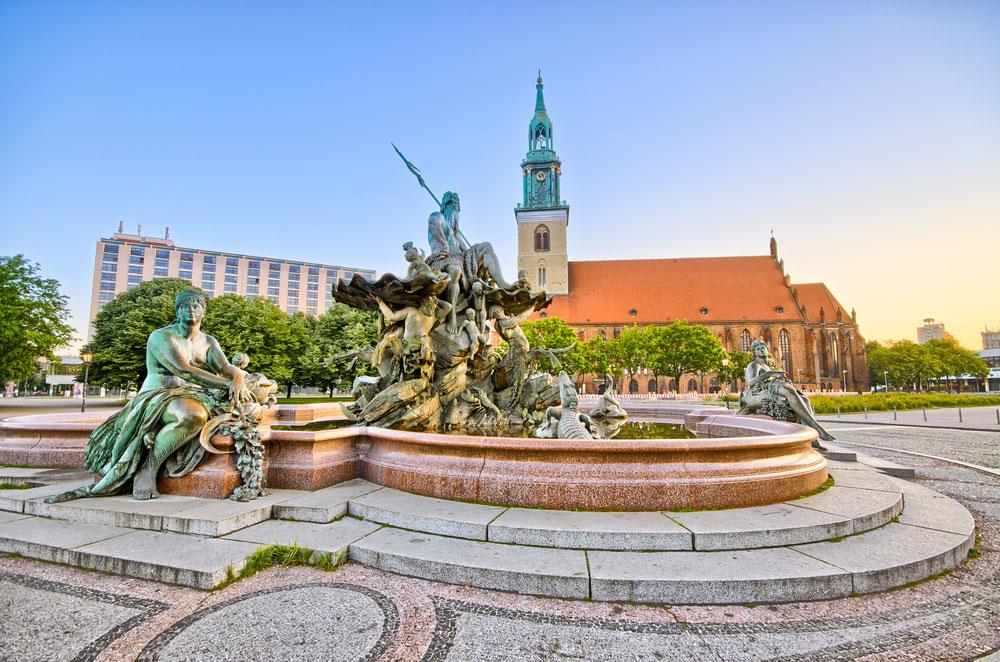 «Фонтан Нептуна» в Берлине