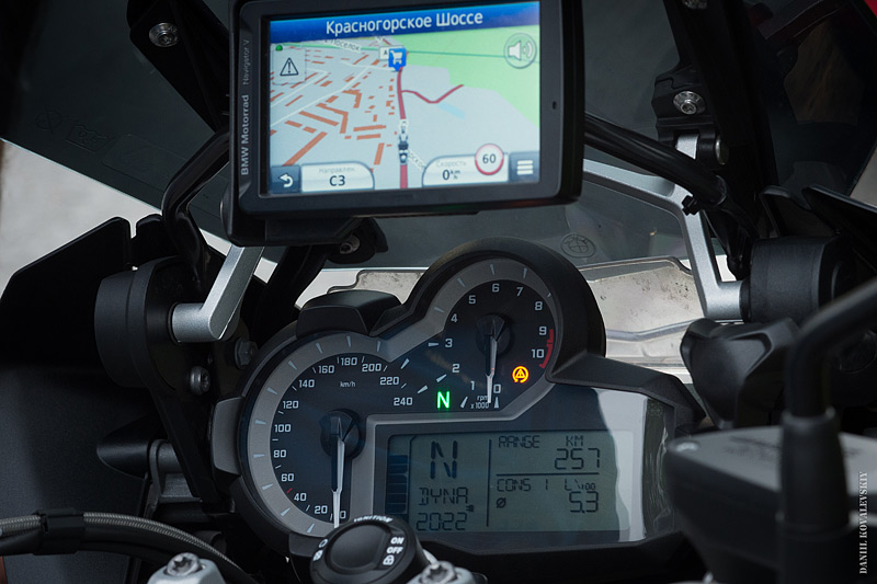 Панель на мотоцикле BMW