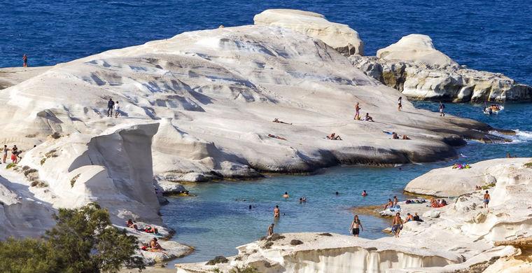 Милос - лучший остров в Греции для пляжного отдыха
