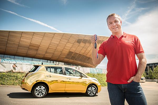 Крис Хой и Nissan Leaf