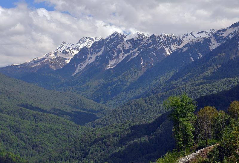 Снег в горах летом