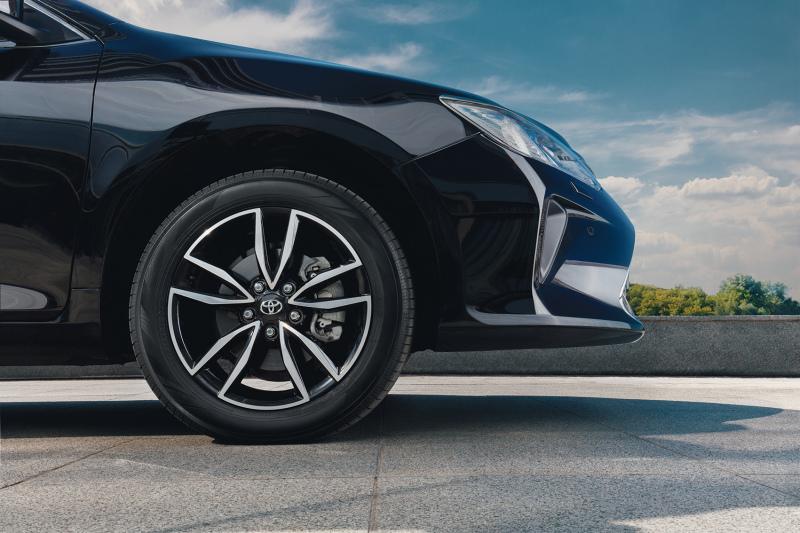 Свежий облик Toyota Camry Exclusive - логичное развитие традиционного уровня Camry.