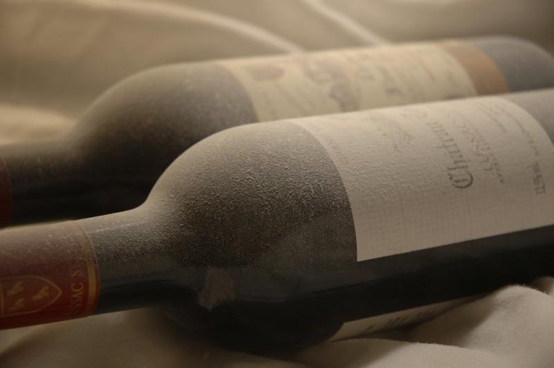 Старое вино в бутылках