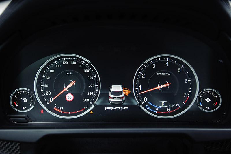 электронное табло приборов в BMW X6