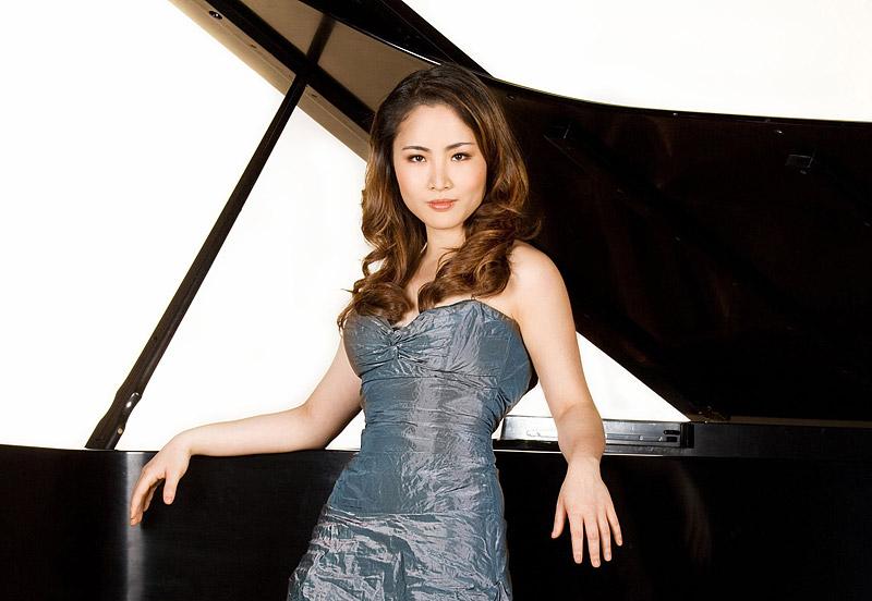 di wu пианистка